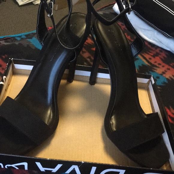 Wild Diva Shoes - Simple black sandal heels